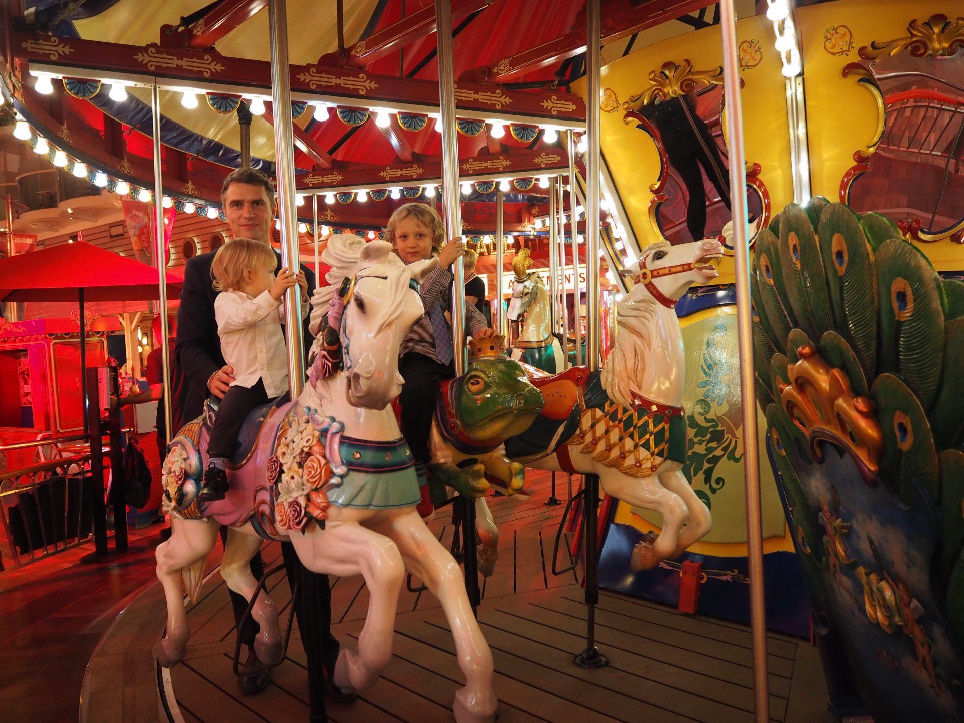 oasisoftheseas-karuselli