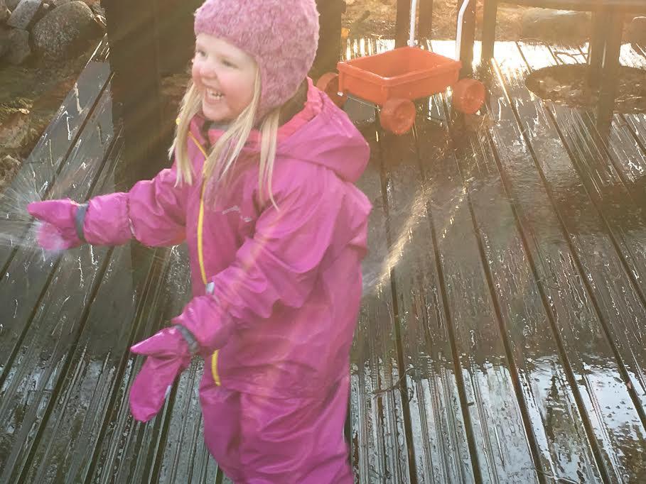 Sadevaatteet-lapsille-ilo-jollyroom