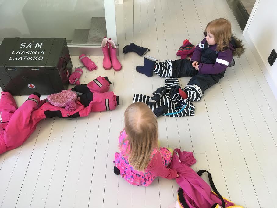 Sadevaatteita-lapsille-jollyroomista