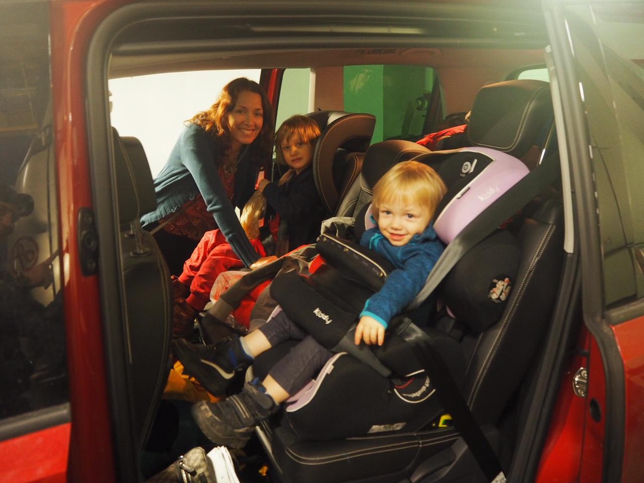 Autolla Ruotsiin lasten kanssa
