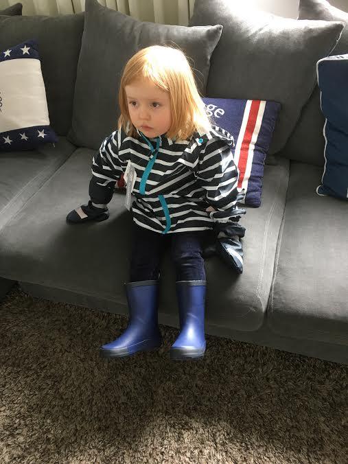 sadevaatteet lapsille sisalla ja ulkona