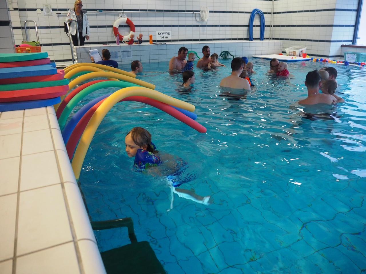 pikku delfiinit vauvauinti kokemuksia