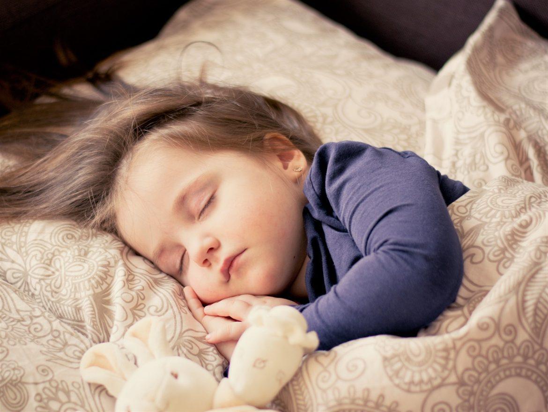 lapsen unen tarve