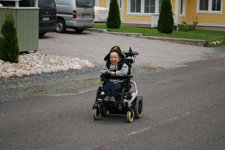 vammainen lapsi