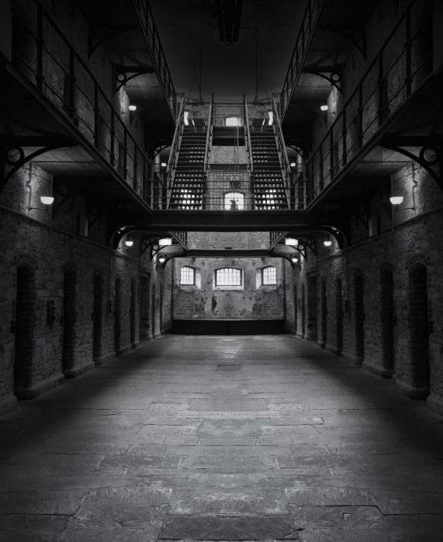 vanhempi vankilassa