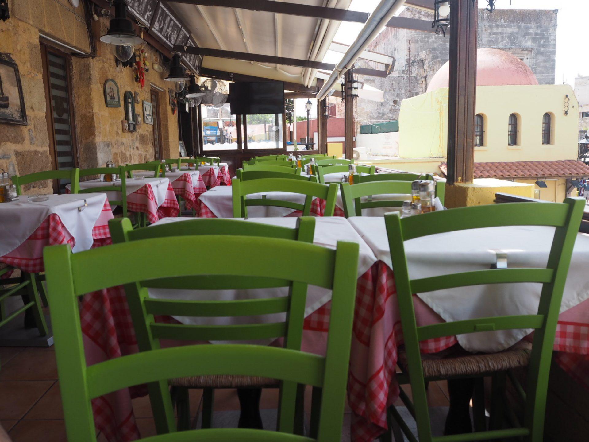 ravintola rodoksen vanhassakaupungissa