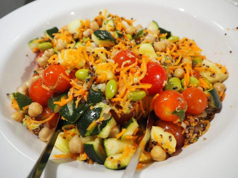 grande buffet salaatteja