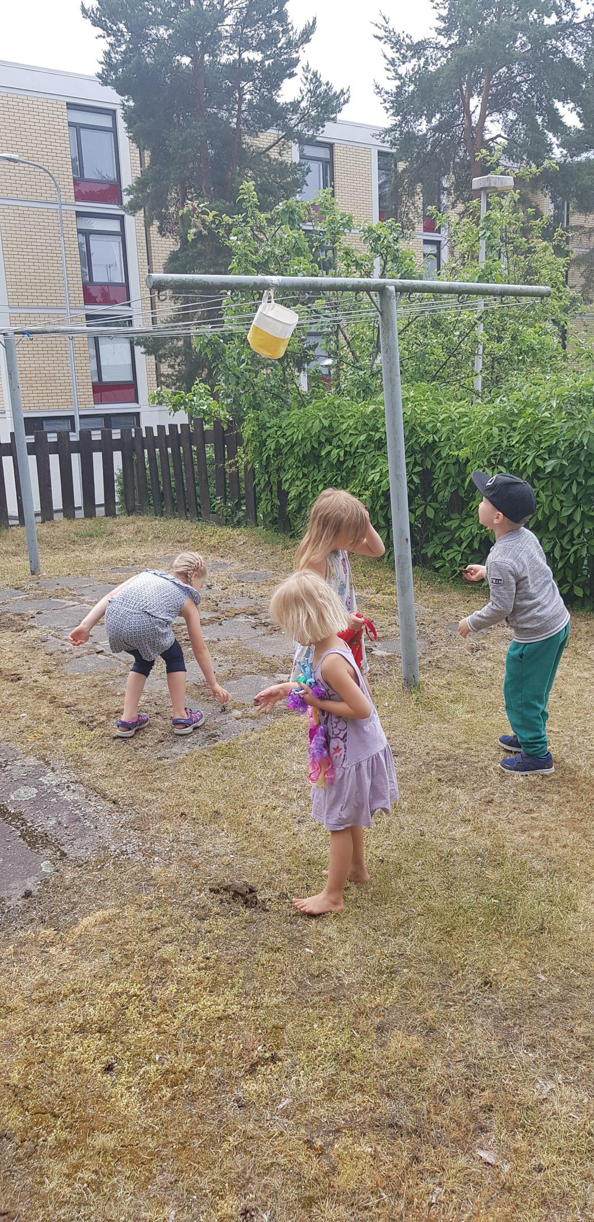 lasten leikit ja liikunta