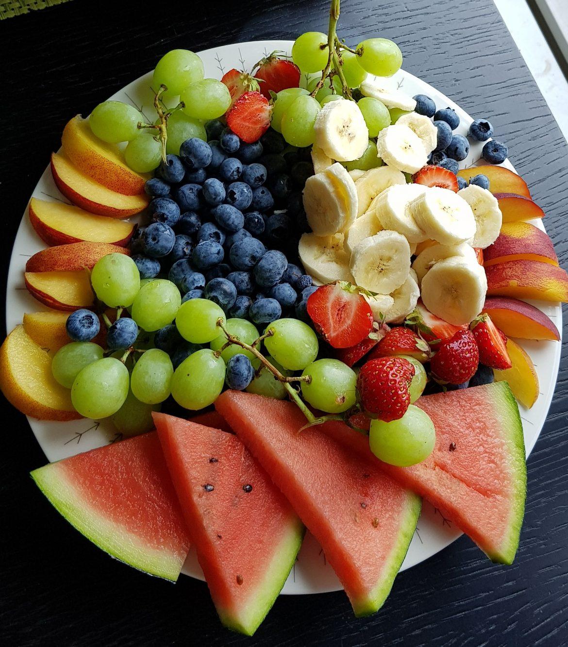 tunkutarjotin hedelmistä