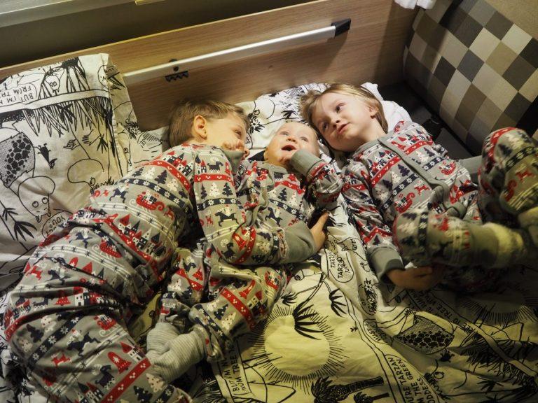 vauva ja isoveljet