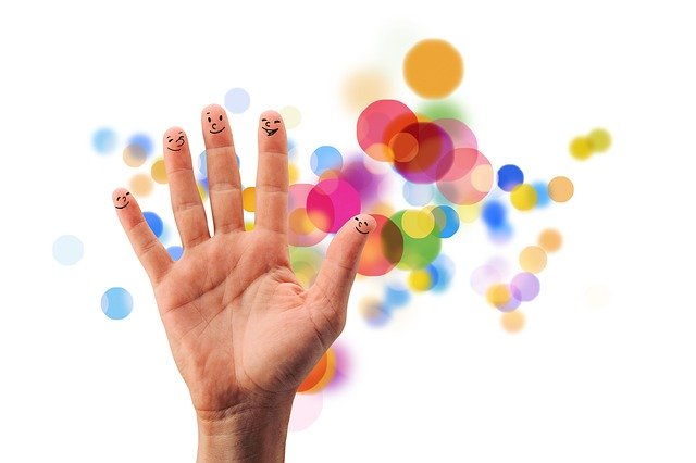varmat-paivat-laskuri-sormet