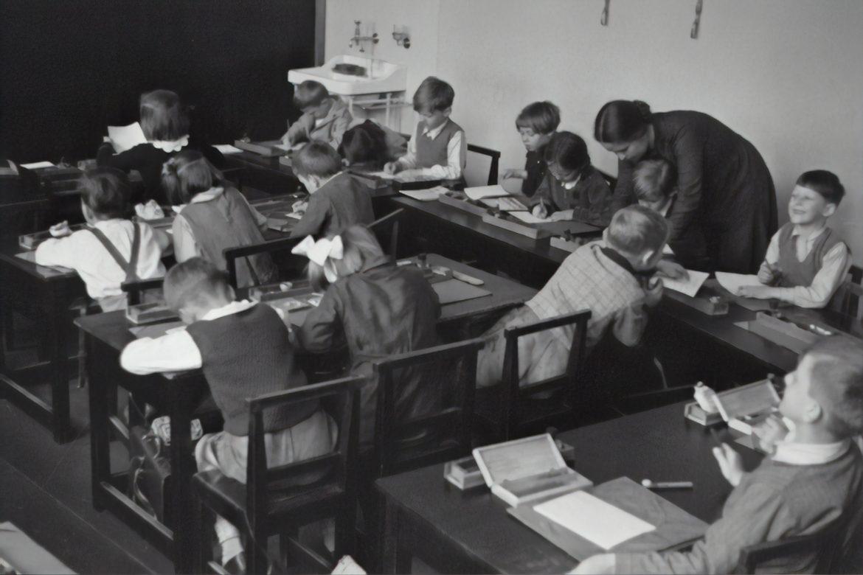 50-luku koululuokka