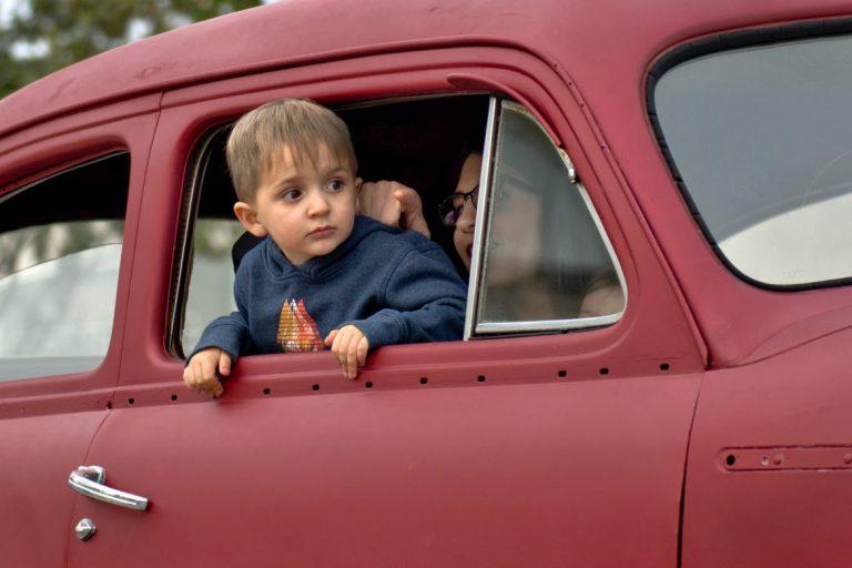 lasten turvaistuin autossa