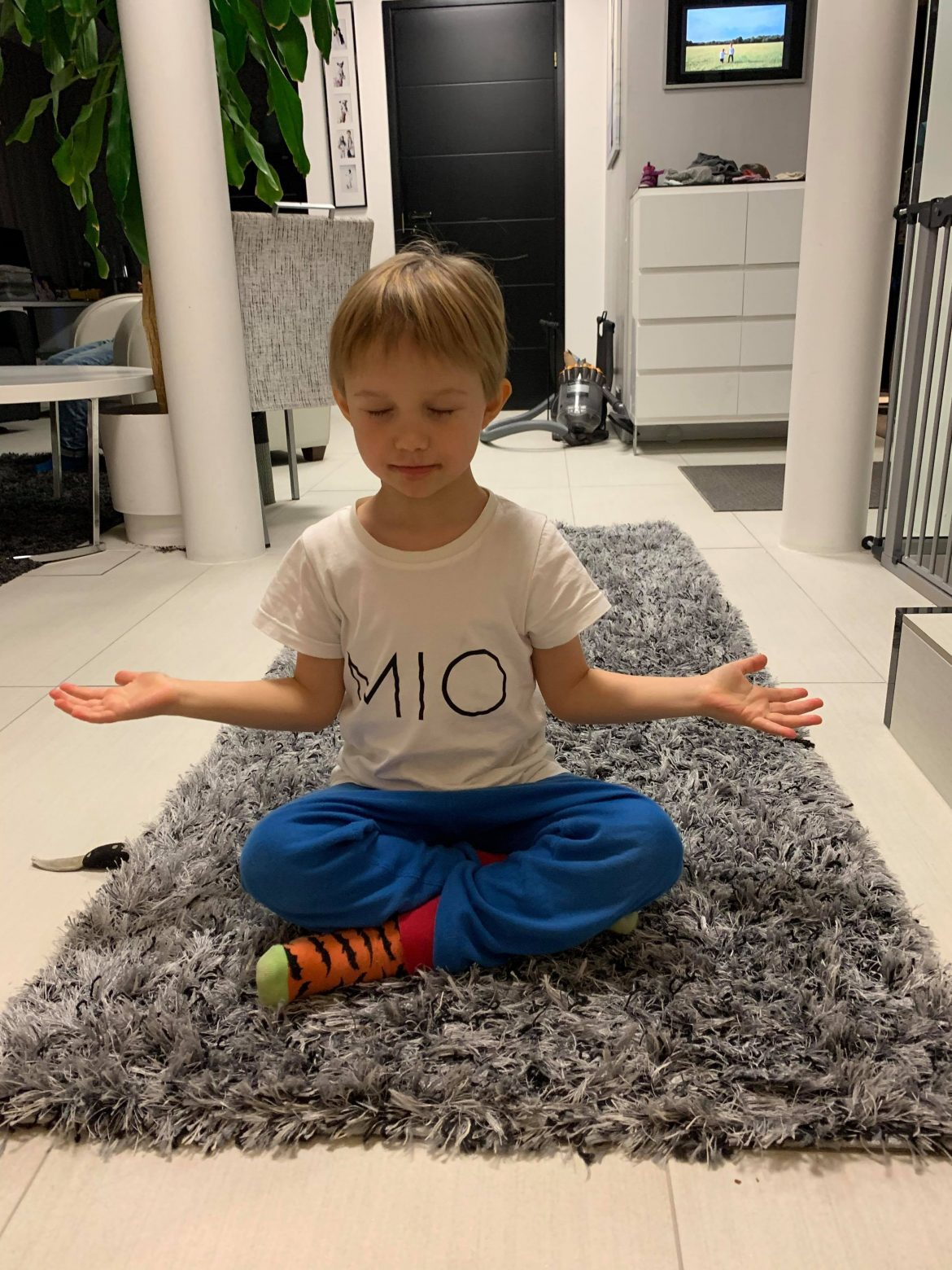 lasten meditaatio
