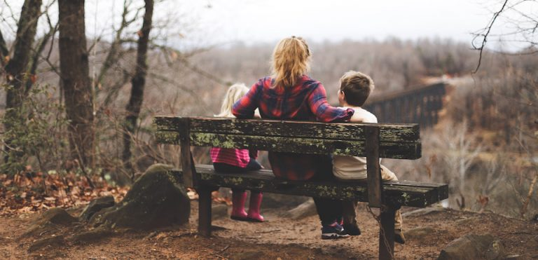 ilmainen-opas-lapsiarkea-perhe