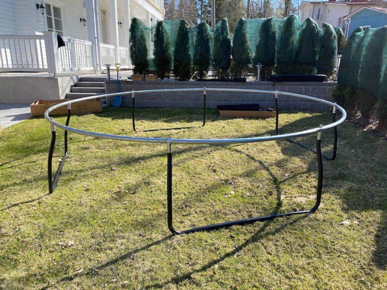 hyva_trampoliini_lapsille_kokoaminen_preeco