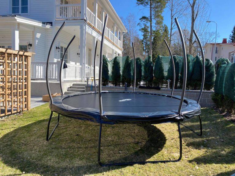 hyva_turvallinen_trampoliini_lapsille_preecolta