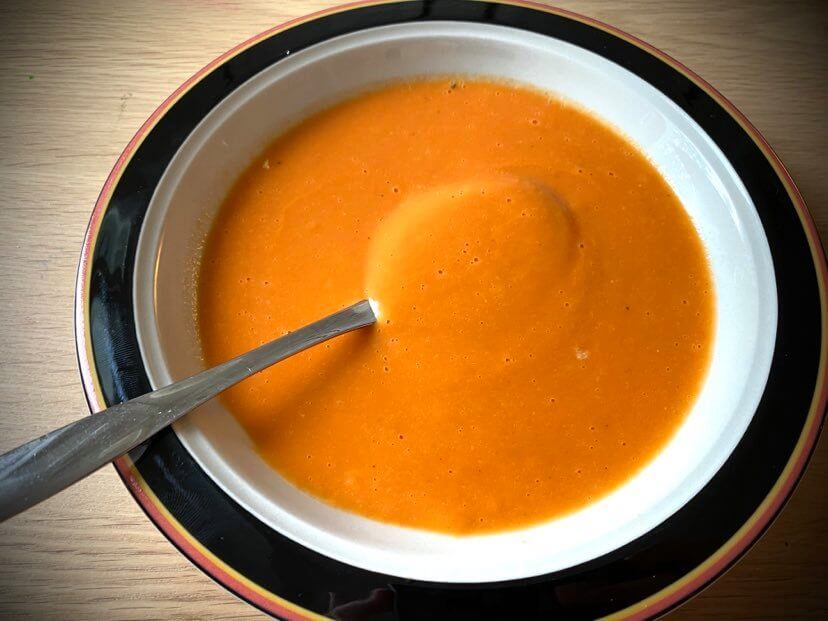 tomaattikeitto valmis