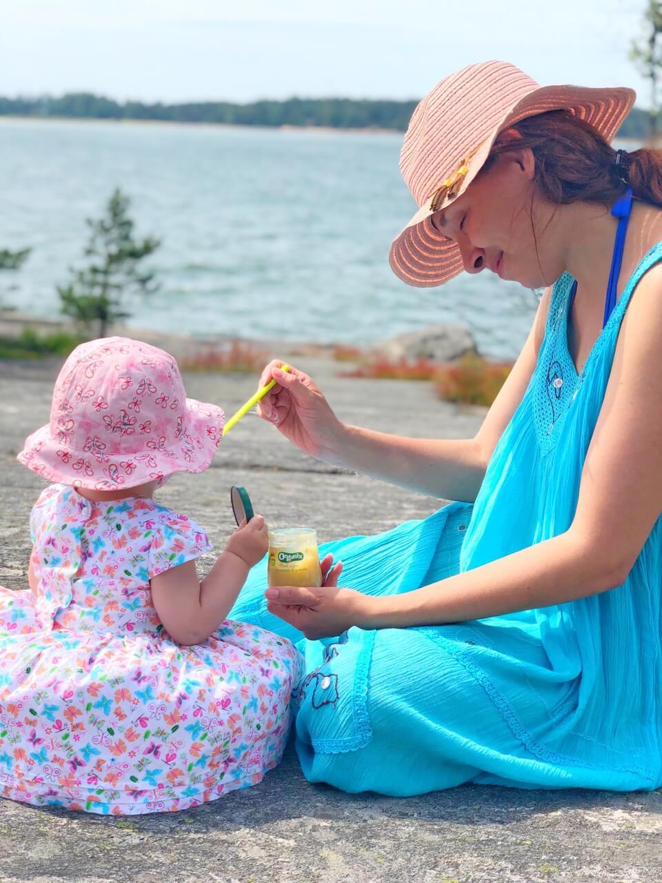 vauvan kanssa retkella