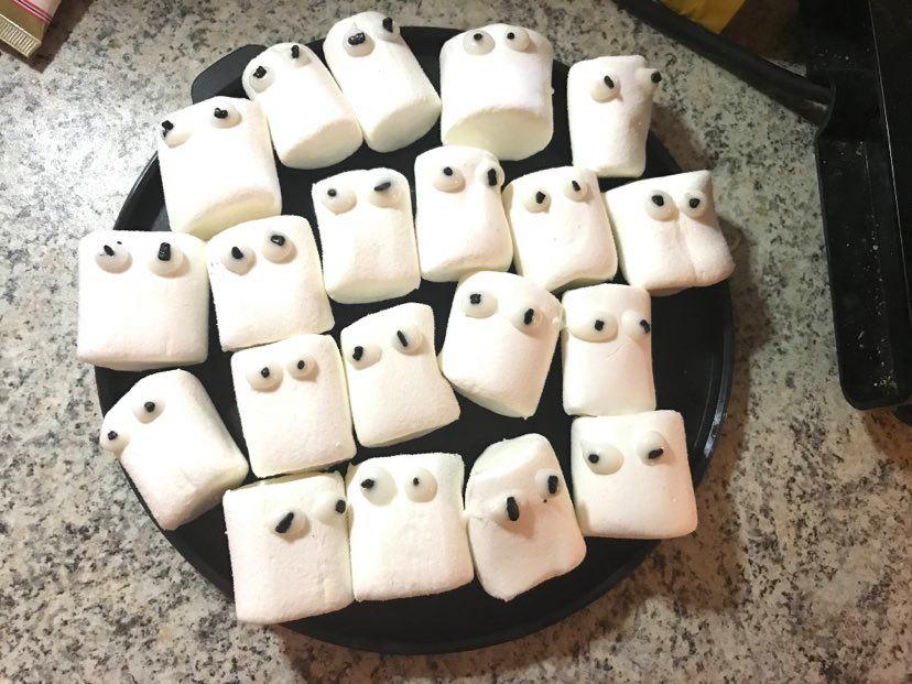 kurpitsakeitto halloween vaahtokarkki haamut