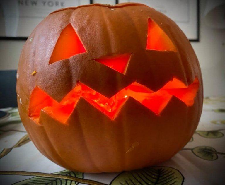 kurpitsakeitto halloween lyhty