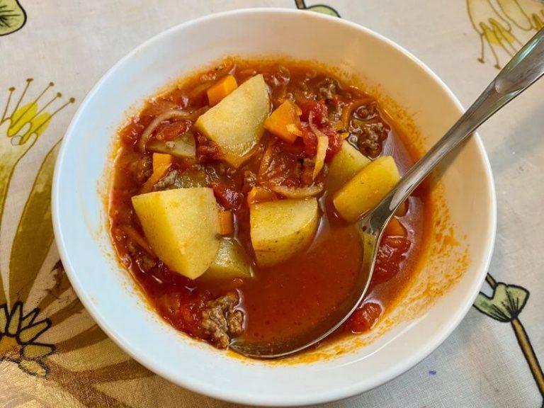 tomaattinen jauhelihakeitto